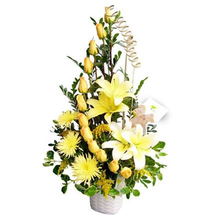 Arreglos florales oriental lilium car interior design - Adornos florales para casa ...